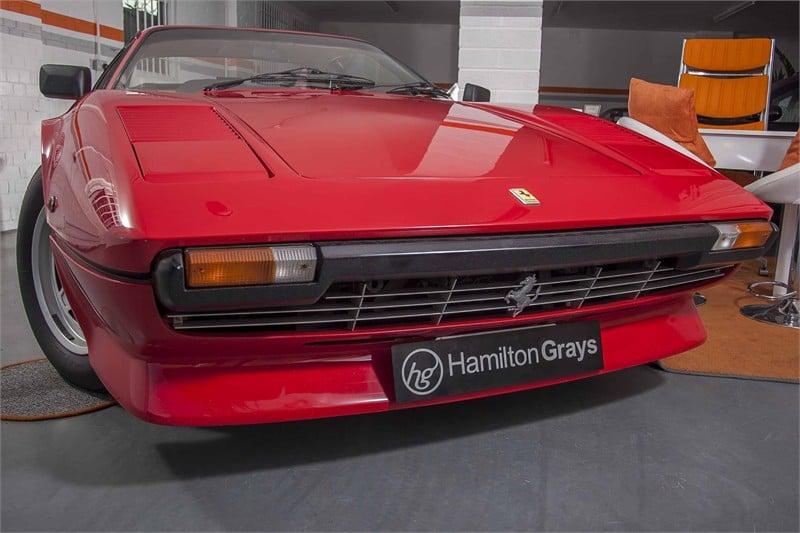 1982-y-ferrari-308i-gtb