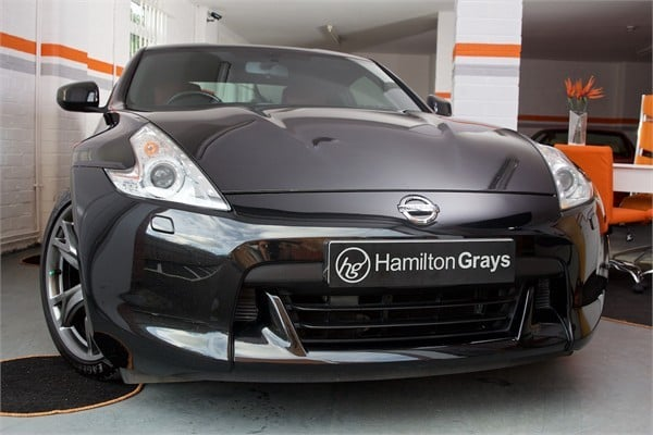 2010-10-nissan-370z-black-edition-coupe