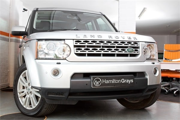 2012-12-land-rover-discovery-sdv6-xs