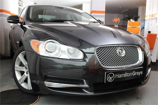 2010-10-jaguar-xf-3-0-v6-luxury