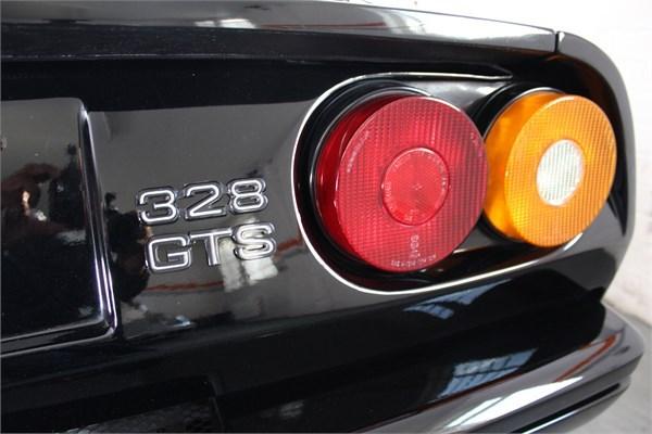 1989 F FERRARI 328 GTS LHD 12