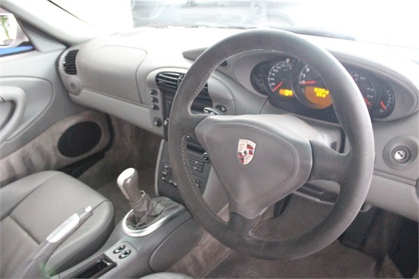 2000 X PORSCHE 996 TURBO COUPE MANUAL 3