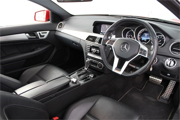 2012 62 MERCEDES C63 AMG COUPE 3